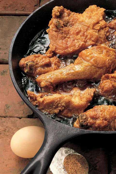 хорошая толстая сковорода - на ней все хорошо готовиться!