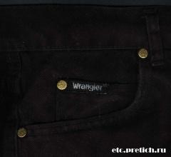 Wrangler - черные джинсы, кармашек и заклепки