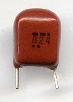 Пленочный конденсатор с маркировкой 824 точки и тире, сделано в Китае
